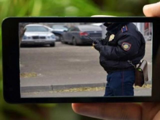 Журналисты Франции добились пересмотра статьи, запрещающей снимать полицейских