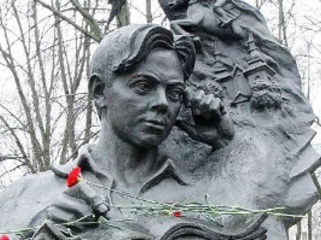 Сегодня исполняется 90 лет со Дня рождения Владимира Короткевича